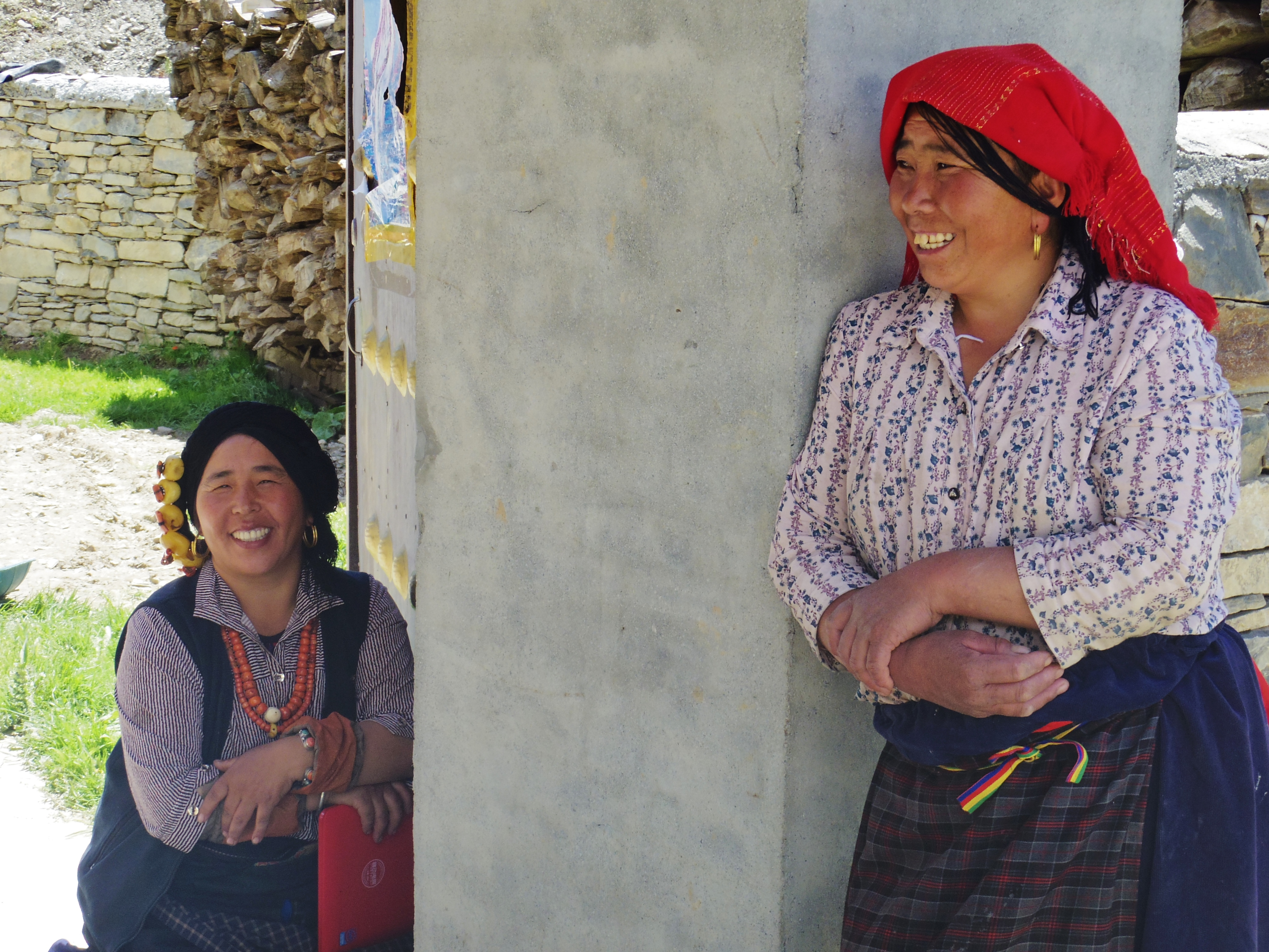 songpan single women Tibet tours - explore amdo tibet on and stay with a local family while you  enjoy lunch in the highland town of songpan,  see the local women hard at work in.